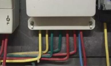 三相四线电表怎么接