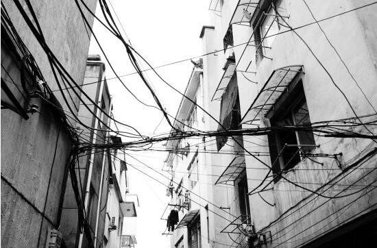 新的智能电表上岗解决老旧小区电线老化